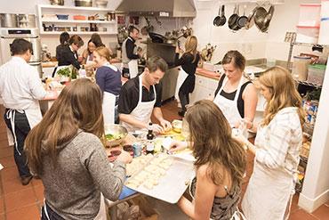 Csapatépítés a konyhában